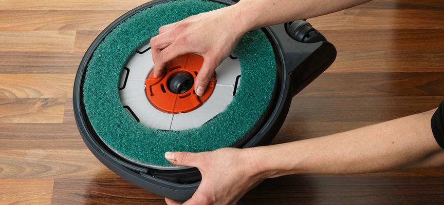 SEBO Dart 3 - preprosta menjava polirnega diska